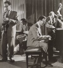 1953. Paul Desmond, Joe Dodge, Dave Brubeck and Ron Crotty (Frank Driggs Collection)